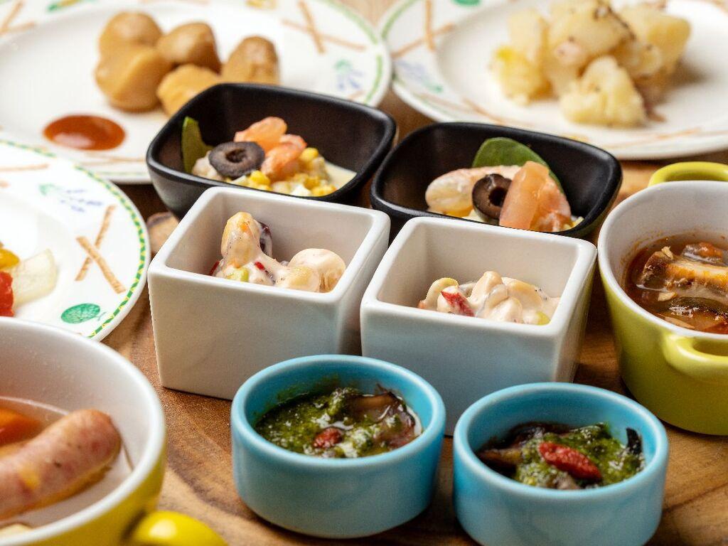 【夕食】フランスやドイツなどヨーロッパ各国の料理を楽しんで