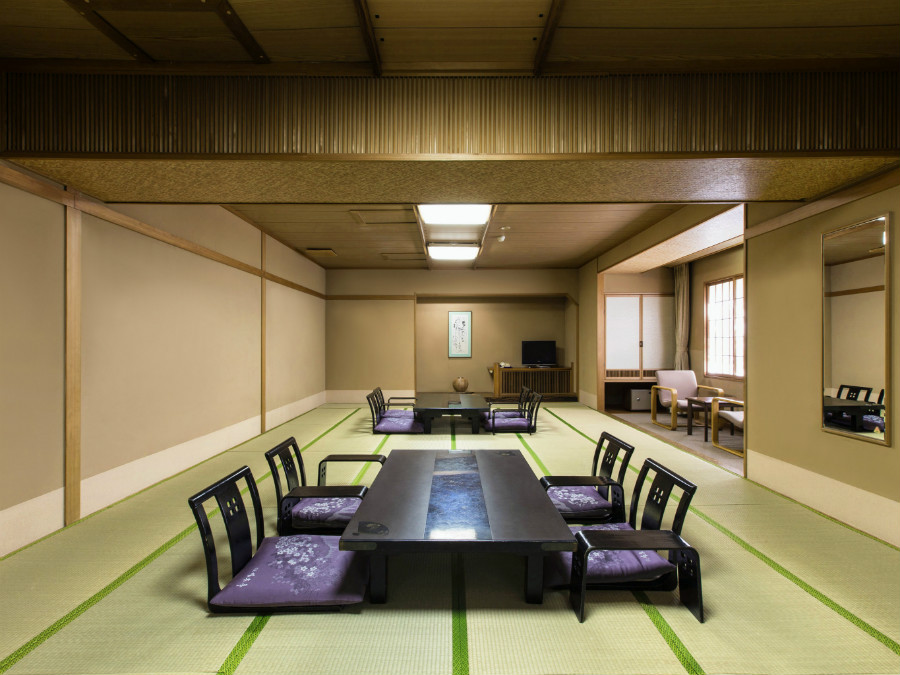大部屋(21畳)三世代やグループで泊まっても余裕の広さ。