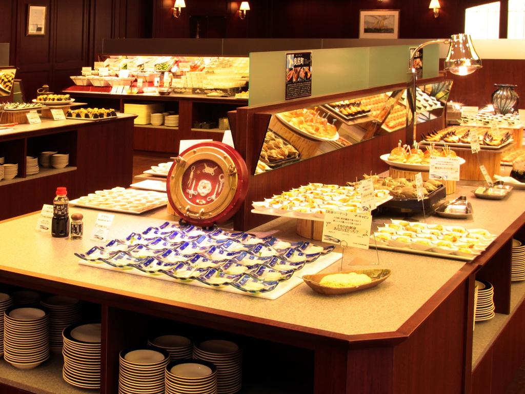 バイキングレストラン「ザ・キャビン」道南の郷土料理をオリジナルアレンジでご用意。