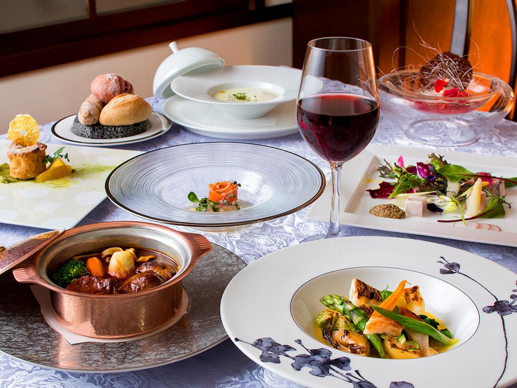 【函館銀座軒・一例】大正ロマンデザインのレストランで、お箸でも楽しめるフレンチを