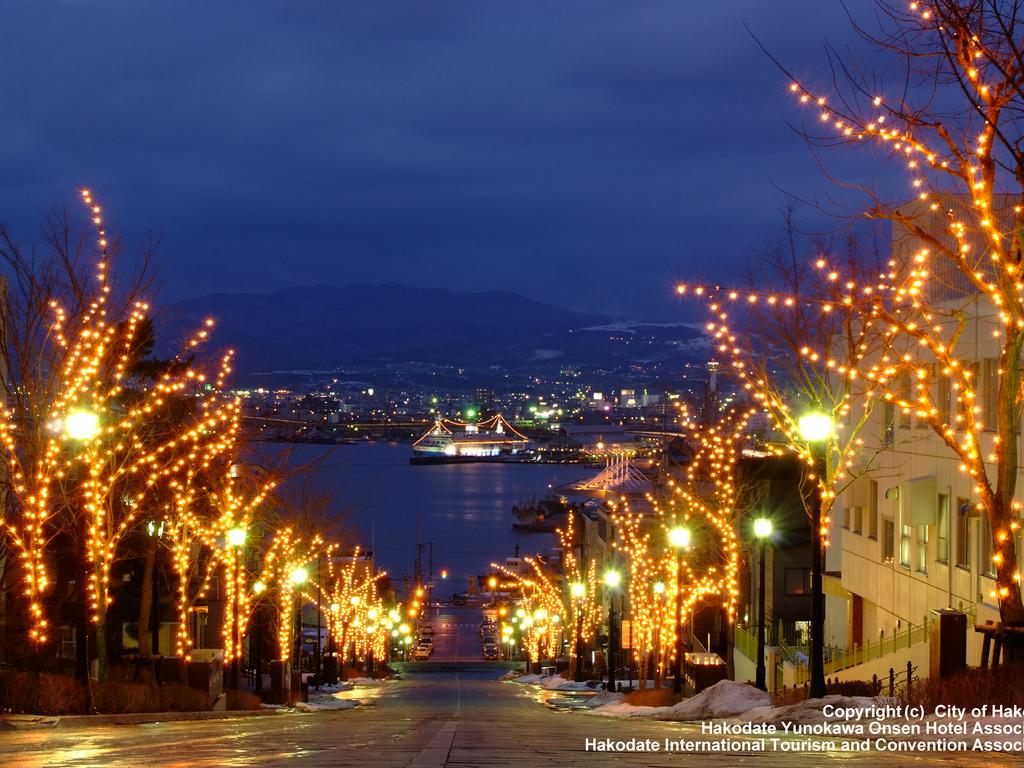 函館の街を幻想的なイルミネーションが彩ります