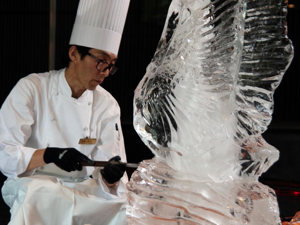 氷の彫刻〜ICE CARVING