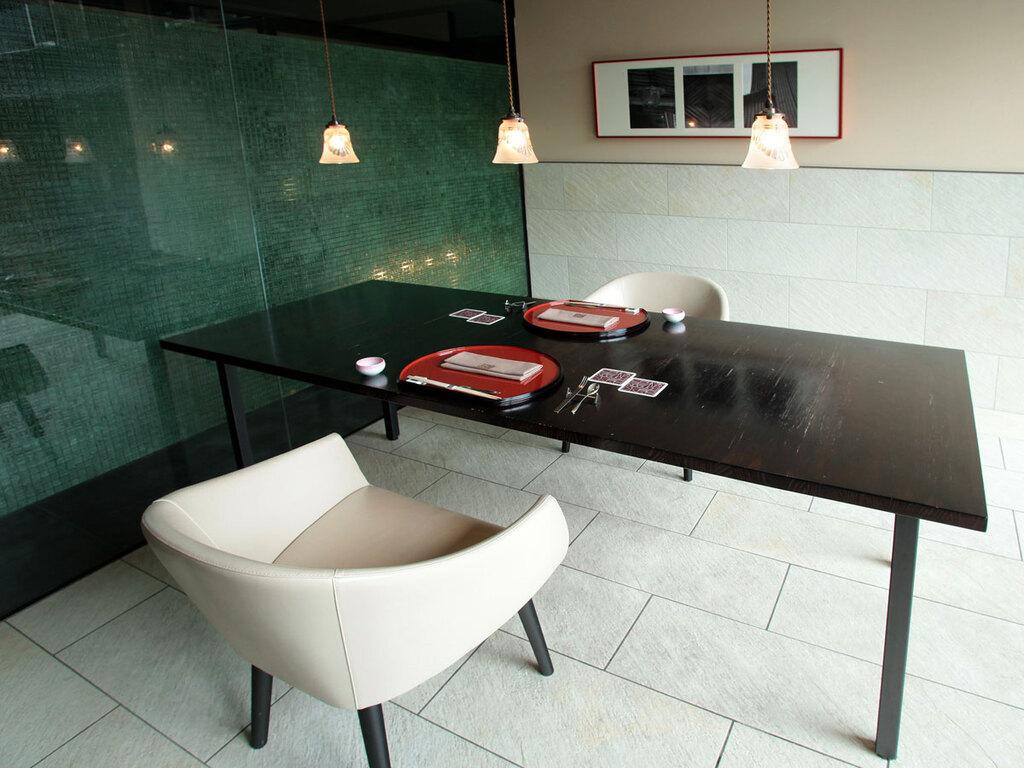 【食事処CHIKURIN】プライベートが保たれた空間で、函館の美食を堪能するひととき。