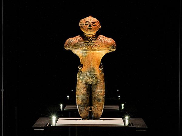 【縄文文化(中空土偶)】函館市縄文文化交流センターに展示されている、北海道で唯一の国宝。