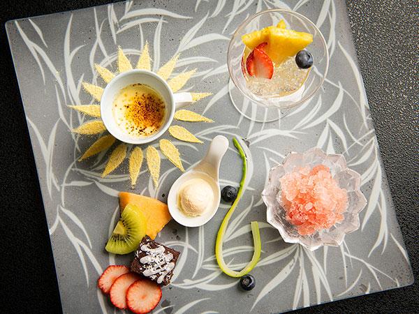 【2021年夏のお膳】DESSERT〜とうもろこしのブリュレ、スイカのグラニテ等、夏らしい清涼感溢れる一皿。
