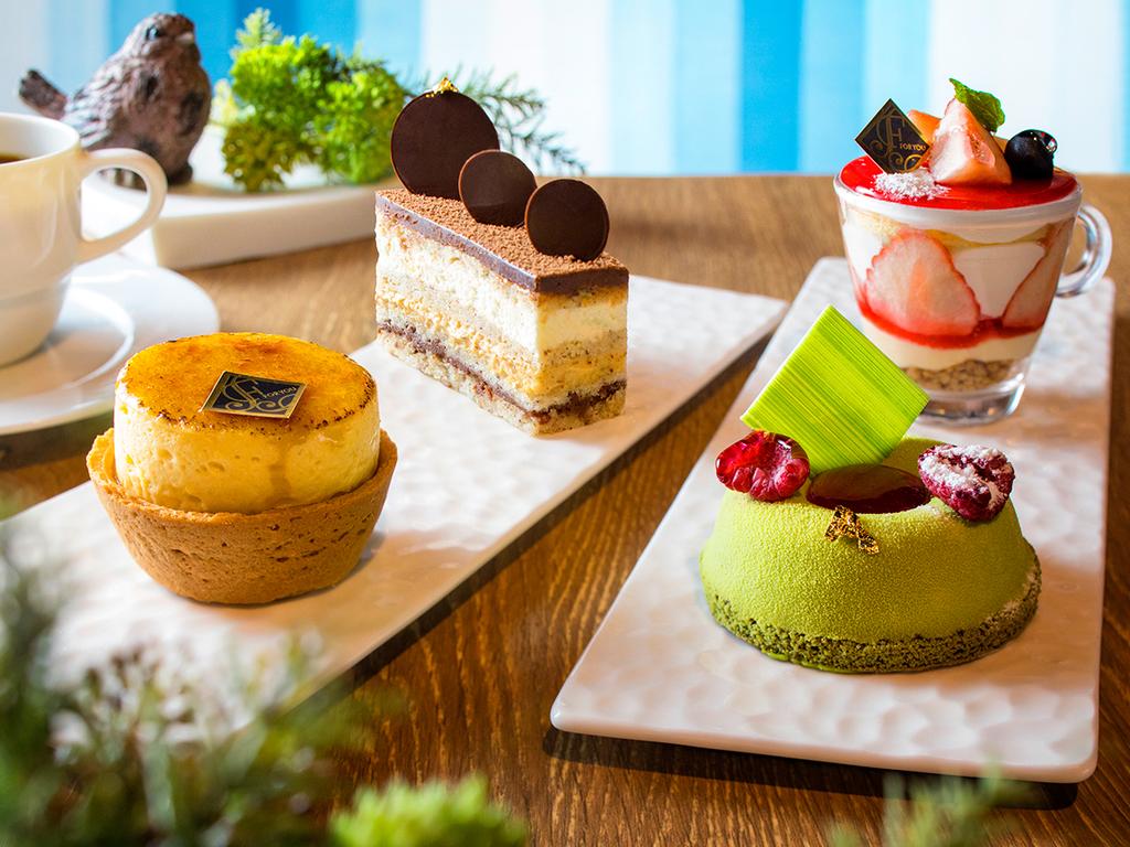 【カフェ】1階カフェではパティシエ手作りのケーキを販売。お部屋でもお召し上がり頂けます。(お持ち帰り不可)
