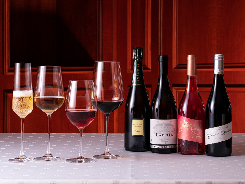 【夏のペアリングワイン】お料理に合わせてセレクトしたワインをぜひ。(別途有料/季節により変更)