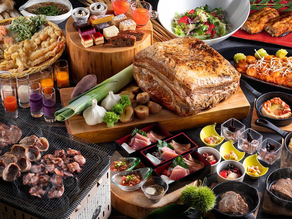 【夕食ブッフェ・一例】夏の旬食材をふんだんに使ったお料理をお楽しみください。
