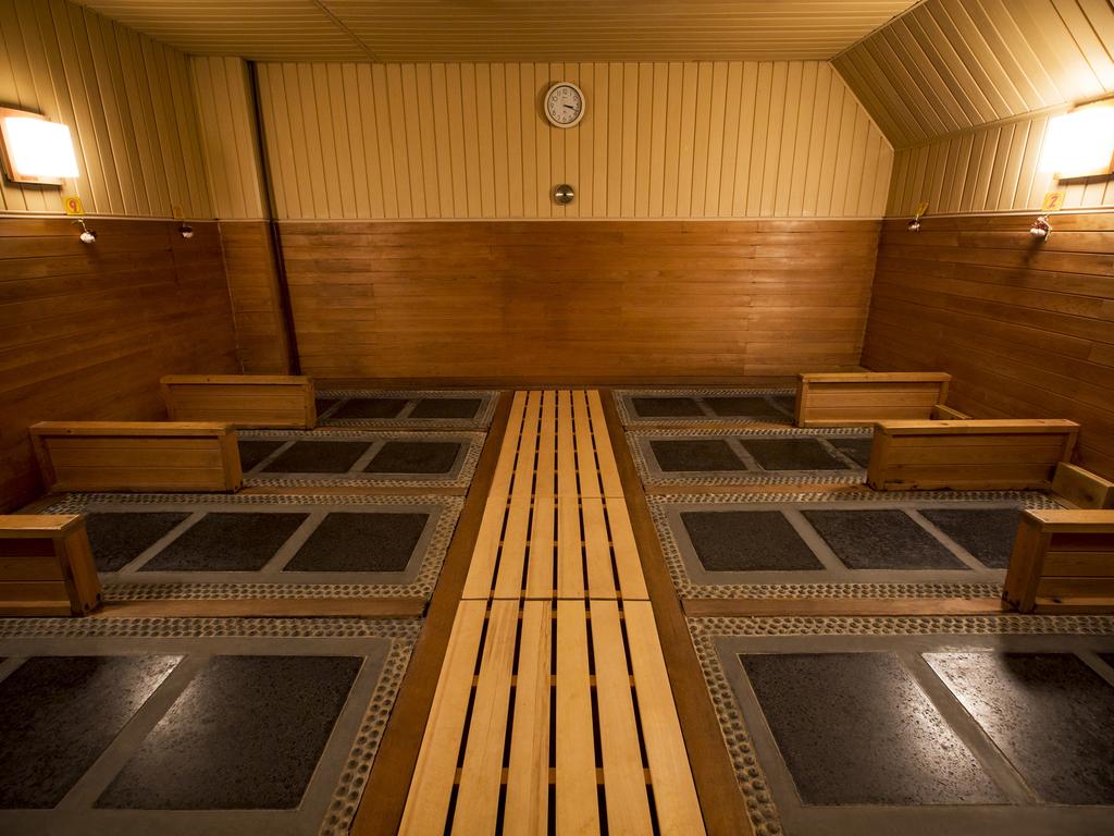 姉妹館「ホロホロ山荘」の岩盤風呂