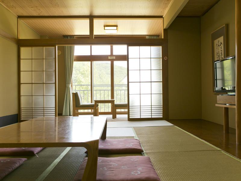 【和室】12畳和室ゆったりお寛ぎ下さい