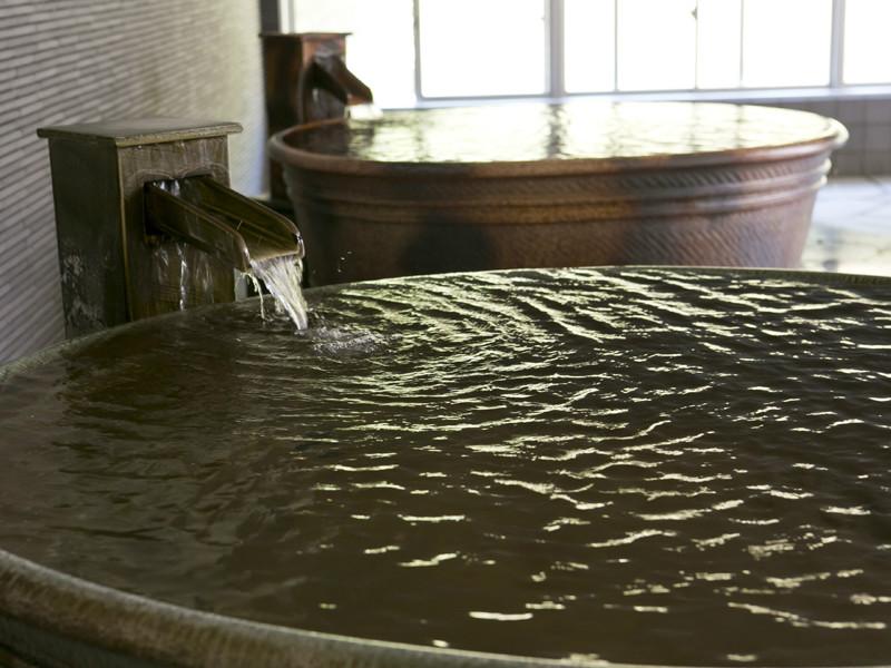 【大浴場】19ある浴槽のひとつ(壺湯)