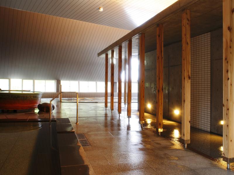 【大浴場】広い空間の洗い場