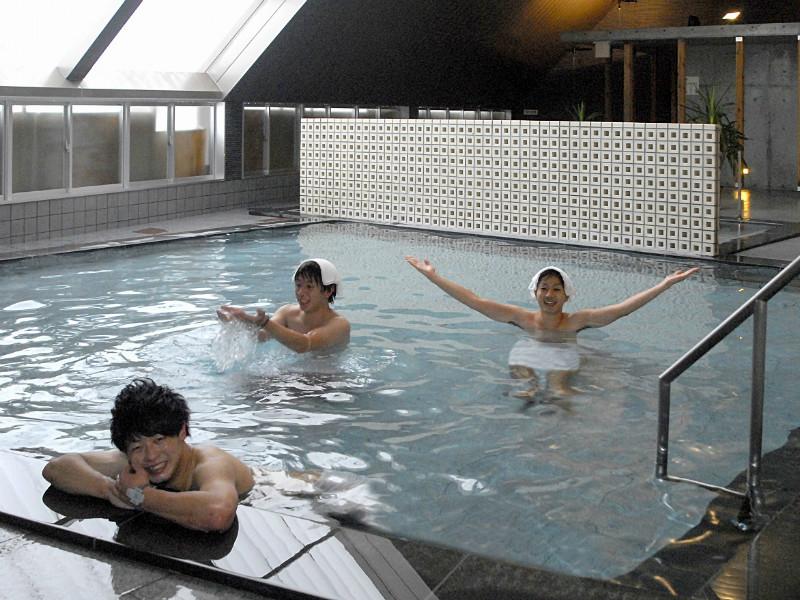 【大浴場】大きな浴槽でゆっくりお寛ぎ下さい