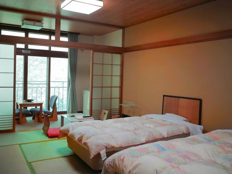 【部屋】和室にベッドを設置しました
