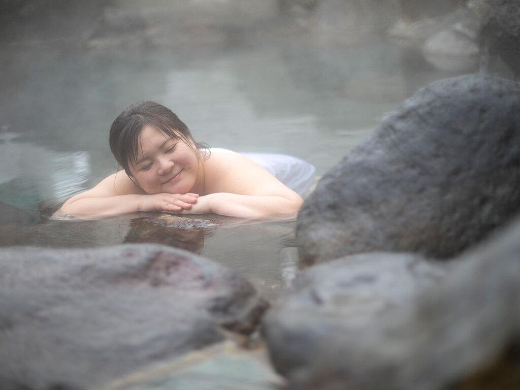 「ふぅ〜-いい湯だねぇ〜」温泉ってホントいいよね。