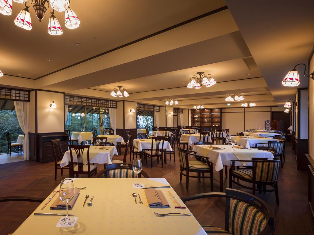 【函館銀座軒】華やかな時代を思わせる大正ロマンデザインのレストランです。
