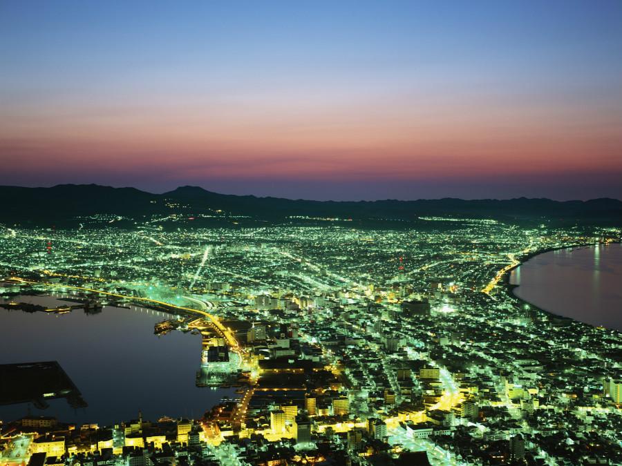 絶景の理由は、函館山から函館港を遮るものなく見下ろせるように作られたからです♪