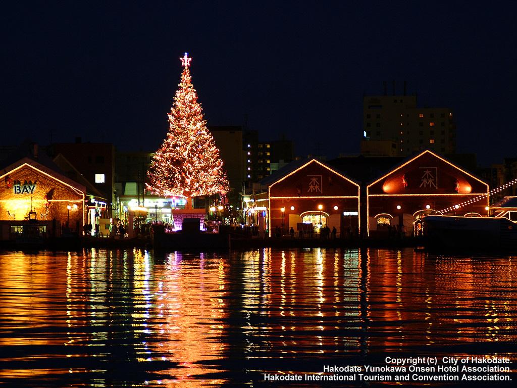 【函館さんぽ】12月1日〜25日(予定)は赤レンガ倉庫群で、はこだてクリスマスファンタジーを開催!