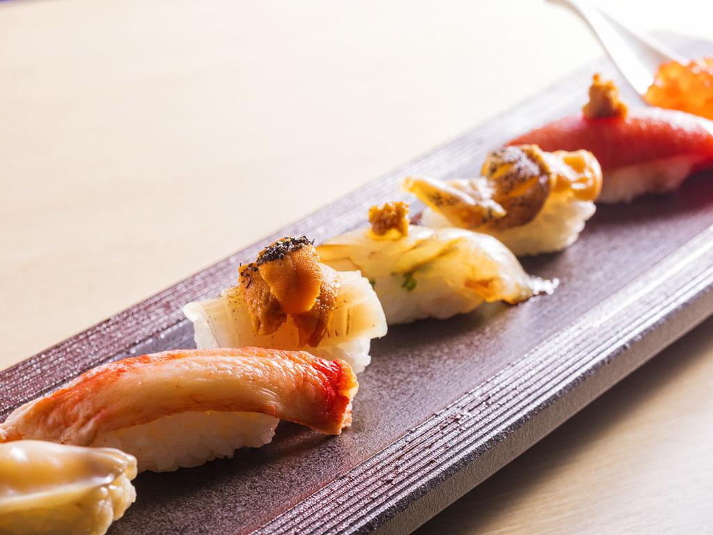 【Blue Seasons一例】津軽海峡の新鮮魚介を、8貫の握りでご賞味ください。