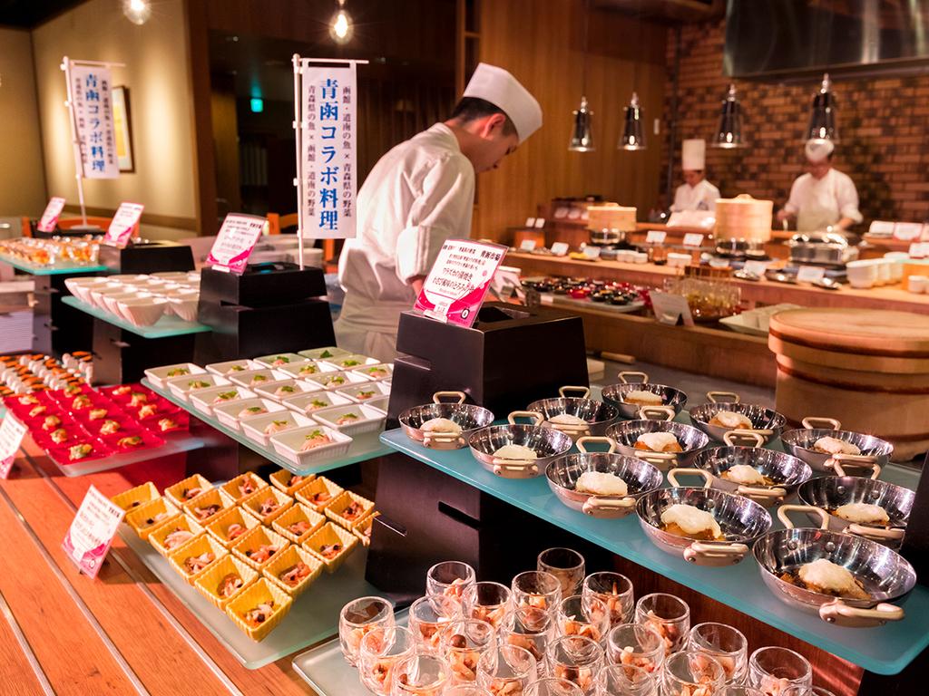 【夕食バイキング一例】函館・道南と青森県産の、魚と野菜を使った青函コラボ料理も豊富!