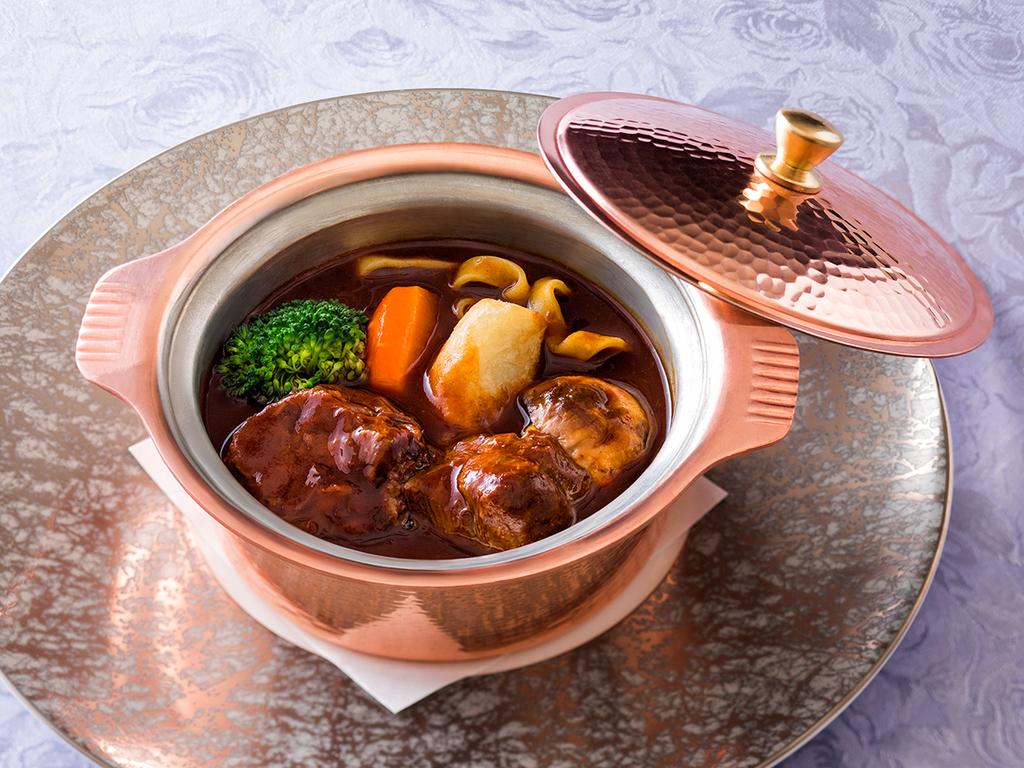 【2018年春・銀座軒一例】大沼黒牛のホホ肉を赤ワインで6時間煮込んだ特製ビーフシチュー。