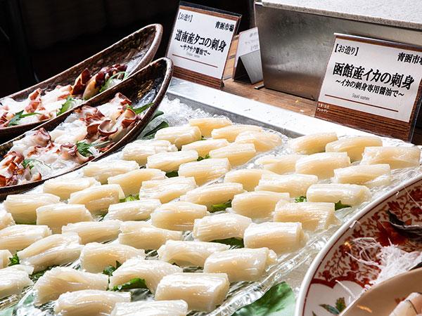 【青函市場一例】函館産イカ、道南産地タコのお刺身。新鮮な魚介をお刺身で存分にご堪能ください。(漁の関係上、変更の場合有)