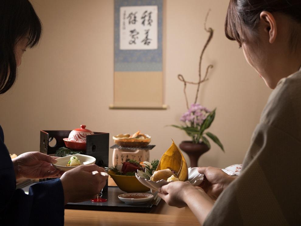 客室での会食イメージ