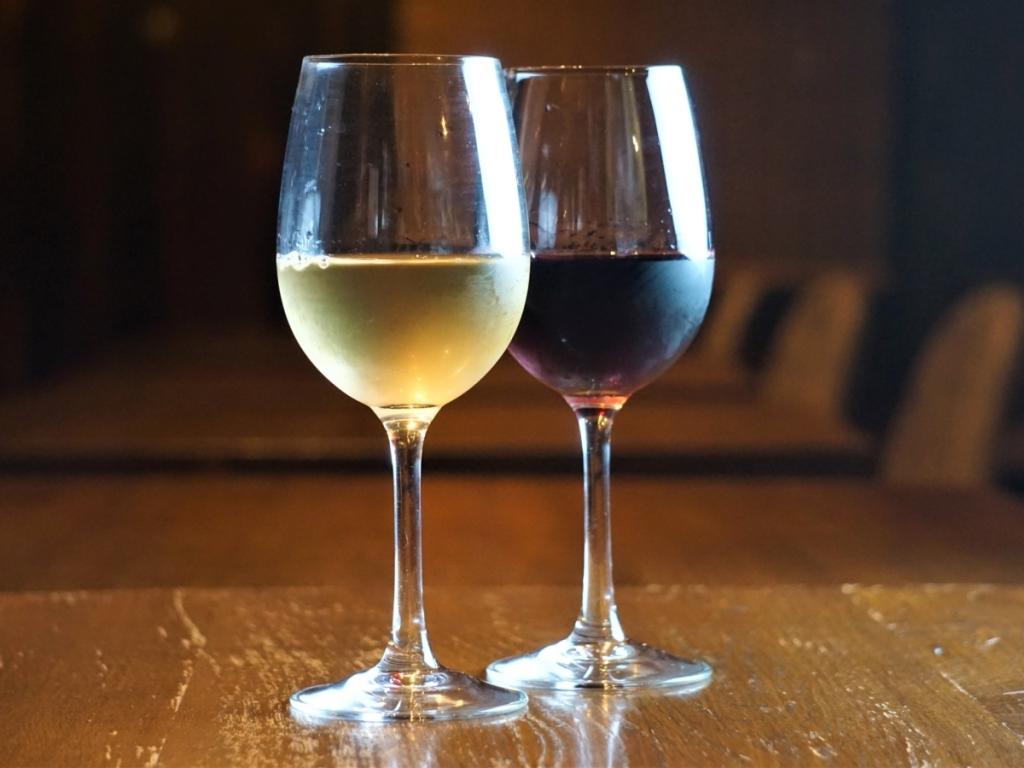 地元 藤野ワイナリーのワインをサービス致します!※画像はイメージ