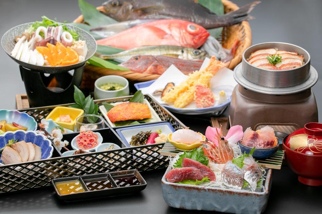 千代田荘『名物』海鮮三昧膳!これだけの海の幸を一度に食べれるお店はなかなかございません。