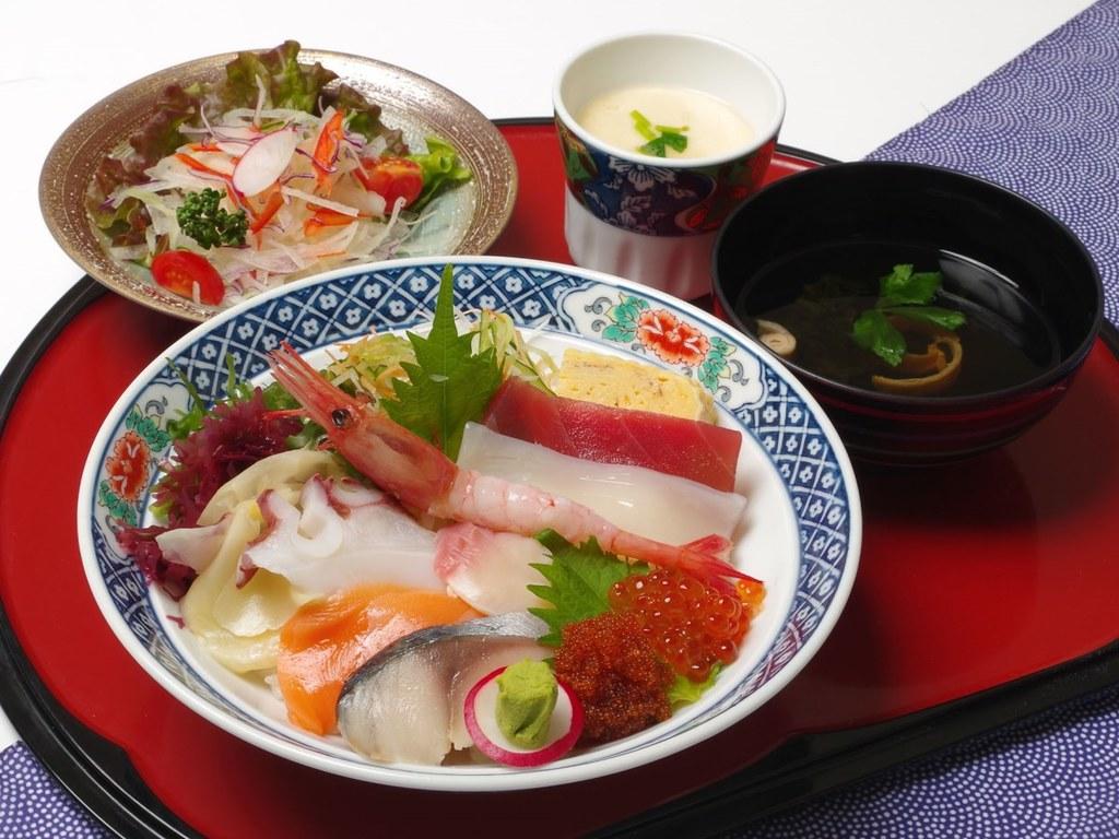 【ネット予約限定】特製北海海鮮丼セット〜9種類の海の幸