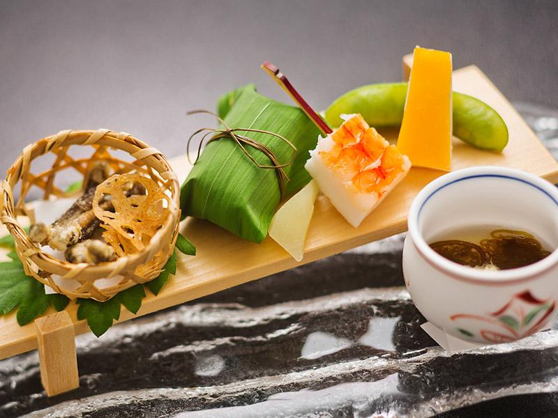 薪の音での宿泊+金沢で最も歴史ある老舗料亭「つば甚」外食プラン