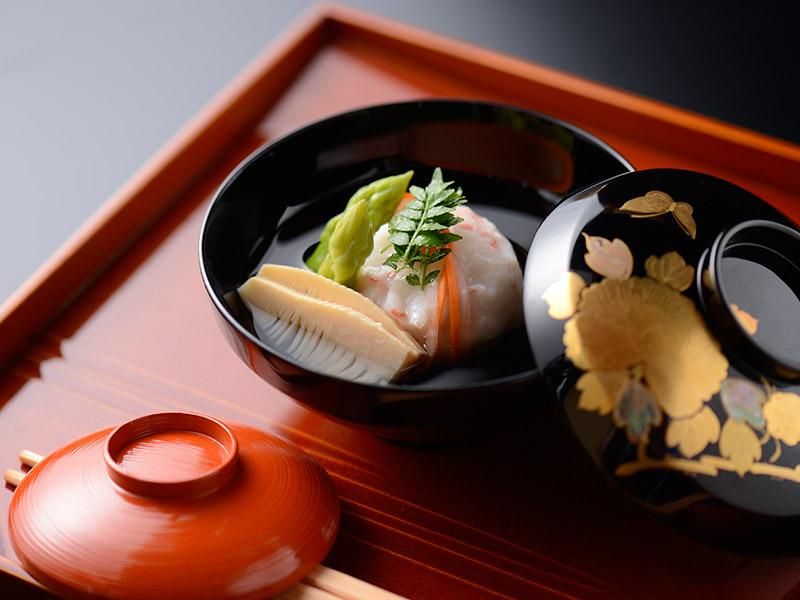 薪の音での宿泊+加賀藩ゆかりの名園を臨む会席料理「玉泉邸」外食プラン