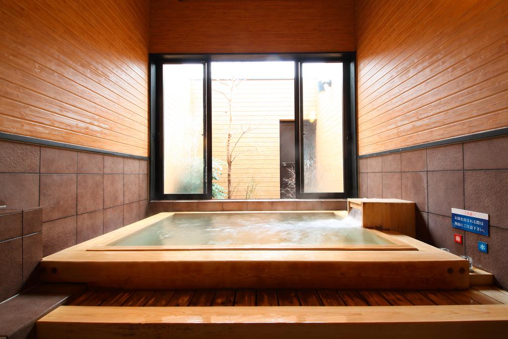 家族風呂(ひのき)