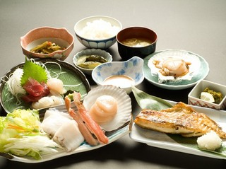 3大海鮮しゃぶしゃぶ(タコ・カニ・ホタテ)