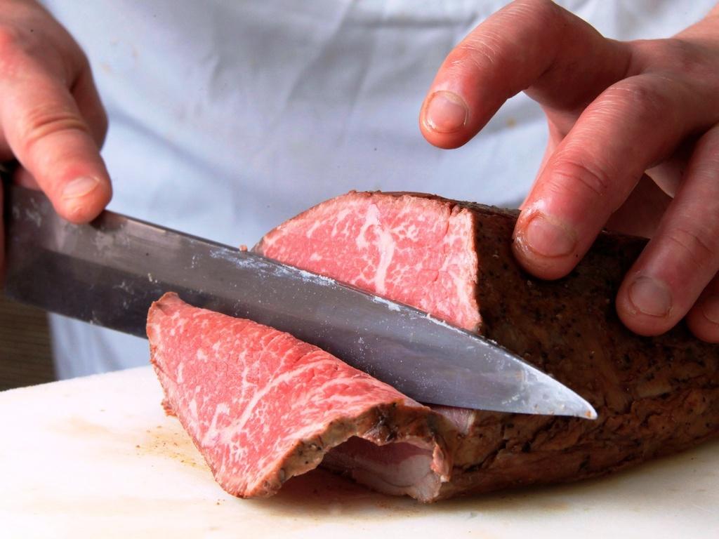 料理長が拘り作り上げた国産ローストビーフ