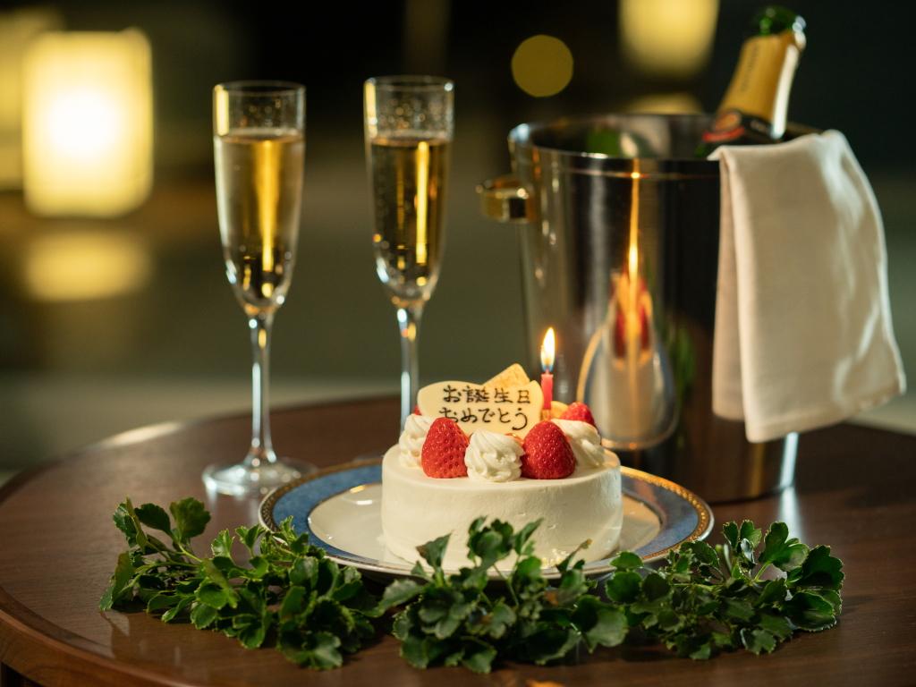 シャンパン、エステやホールケーキなど記念日にお勧めな5つの特典から2つの特典をお選びいただけます。