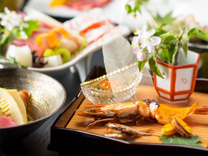 *会席一例/季節の自然の恵みを生かした和食会席