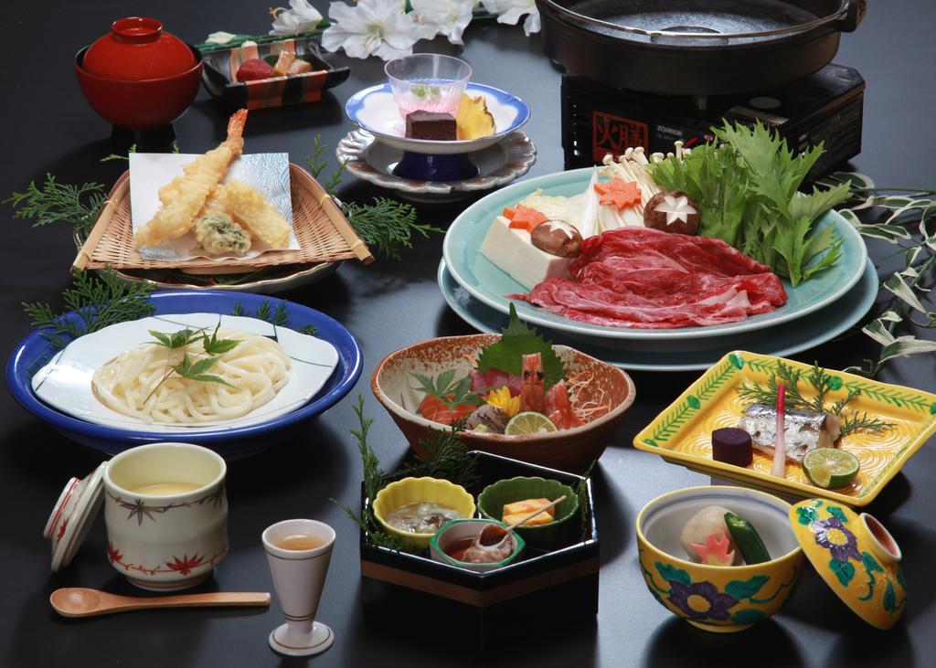 熊野牛すきやき鍋付 和食会席