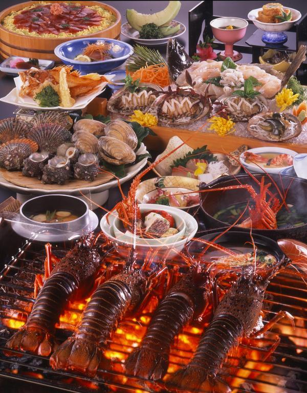 地元漁師さんも絶賛!!名物浜島焼を始め高級魚のひらめ・あわびを堪能!
