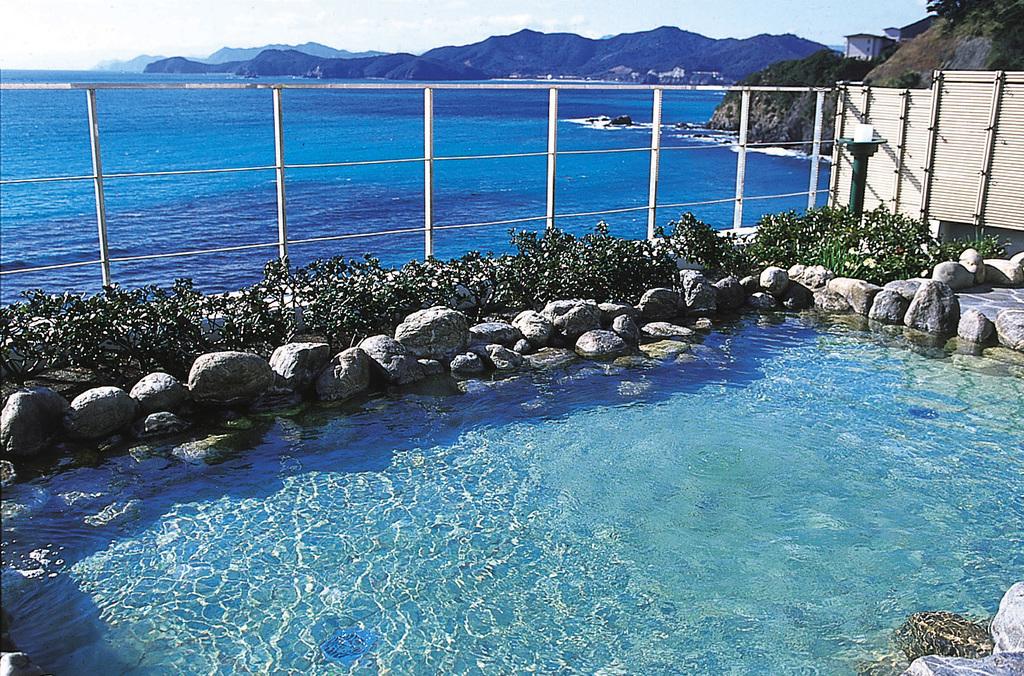 海の絶景とツルツルお湯で温泉三昧♪
