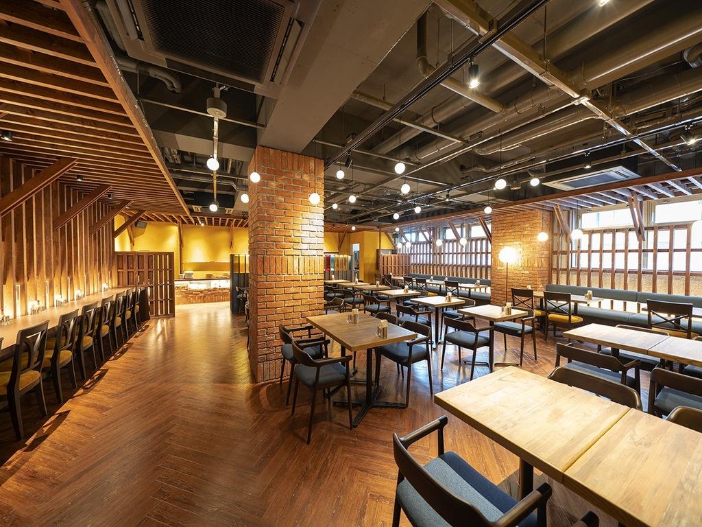 蛍の様なまばゆい灯りのレストラン【Canal Street】