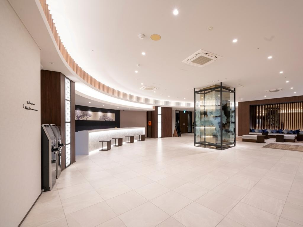 1Fフロントロビー / First Floor Lobby
