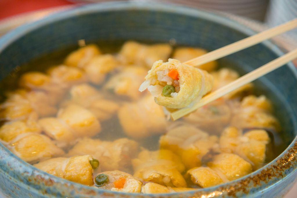 信田巻きは和食料理長手作りのやさしい味が自慢です。