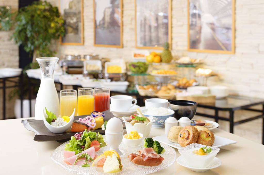 ご朝食(和洋バイキング)