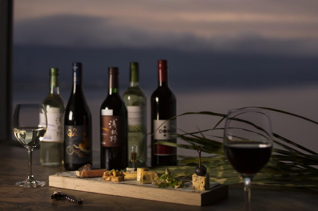 ワインとオードブルイメージ