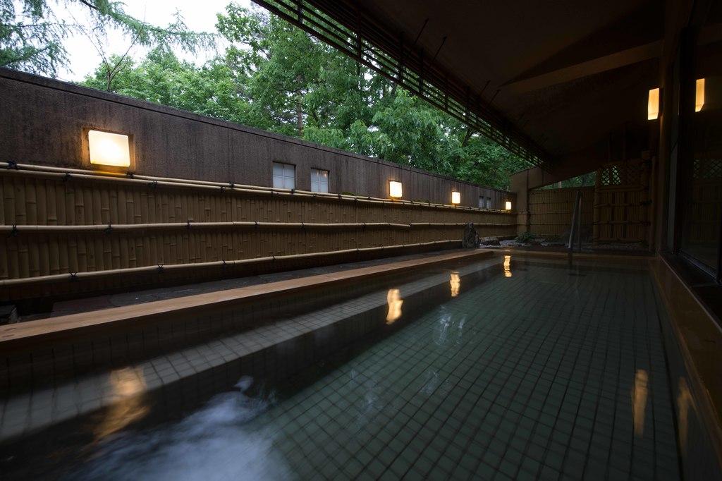 温泉大浴場(露天風呂)