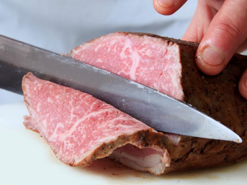 特選懐石のメインは国産牛ローストビーフ ※イメージ