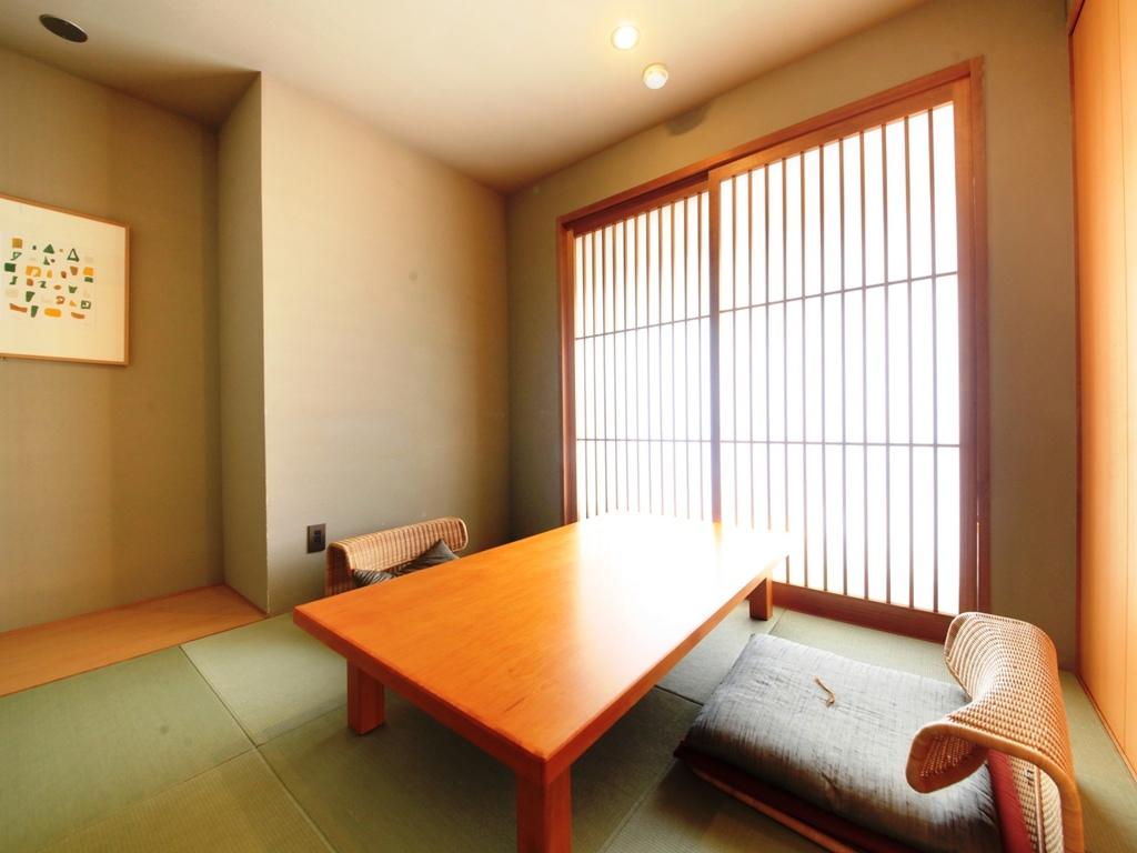 個室お食事処にてゆったりとお食事をお愉しみ頂けます