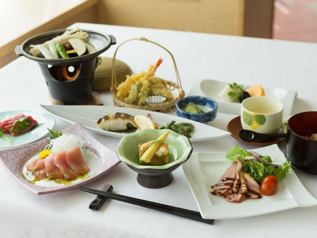 地産地消の食材を使用した和洋食の一例(夏季)