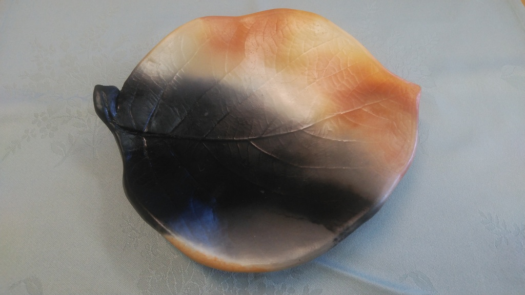幻の高級陶芸品「雲火焼き」